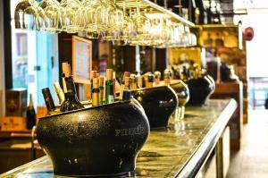 Werden Sie zum Barkeeper und beeindrucken Sie...