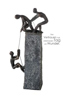 """Casablanca Skulptur """"Assistance"""" bronce/dunkel grau Höhe .43cm Breite 18cm,Poly,2 Männer helfen 1 Mann 159774"""
